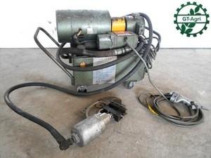 B2h2651 油圧精工 油圧カシメ機 SVG-02-2AB-A110F 100V ジャンク