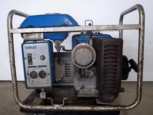 B6e3844 YAMAHA ヤマハ EF2000-A 発電機 4サイクルエンジン 定格電圧100V 定格出力1.9KVA 60Hz専用