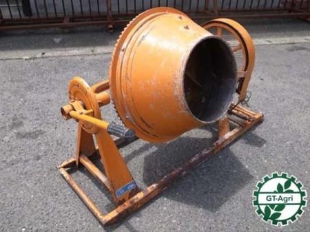 e3135 KYC ベビーミキサー KBM-1.5 コンクリートミキサー
