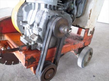 B1e3292 コンクリートカッター メーカー・形式不明 ロビンEY20-3Dエンジン 最大5.0馬力 ジャンク